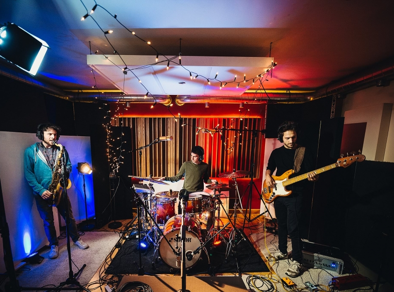 Tiny Beast – live session recording